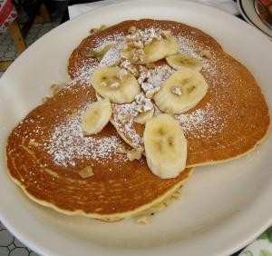 Lulu's Cafe Banana Pancakes