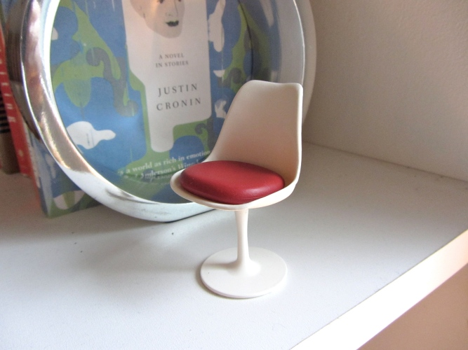 mini saarinen tulip chair