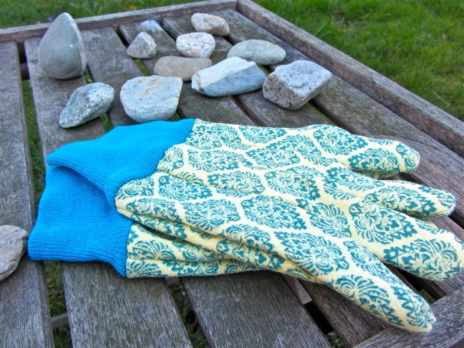 glamorous gardening gloves