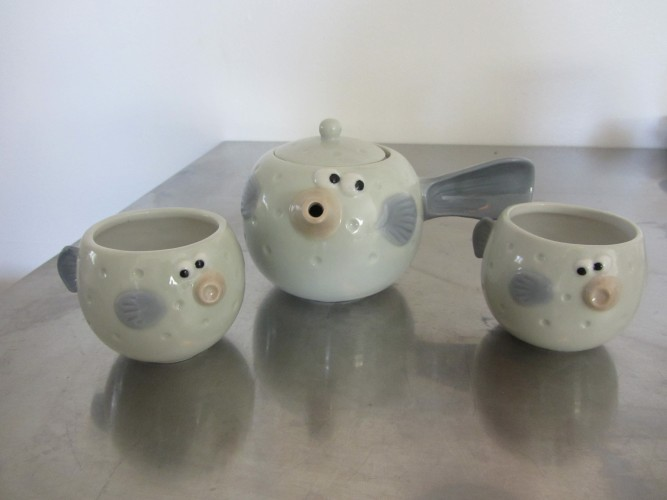 blowfish tea set