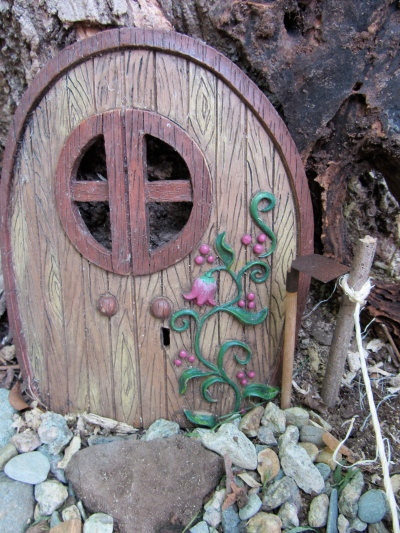 gnome garden hoe