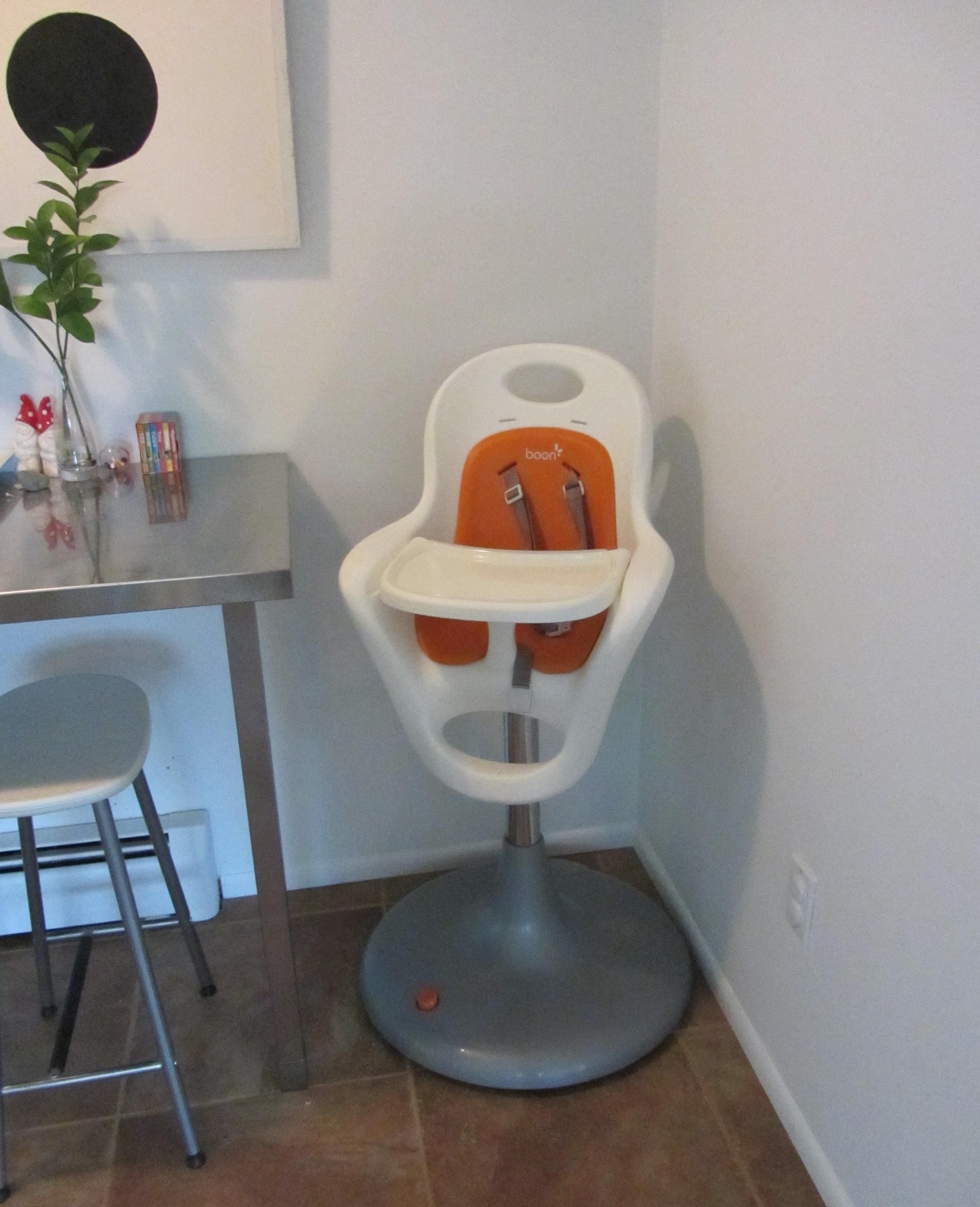 Boon flair pedestal high chair white orange walmart com - Boon Flair Pedestal Highchair With Pneumatic Lift Img4303