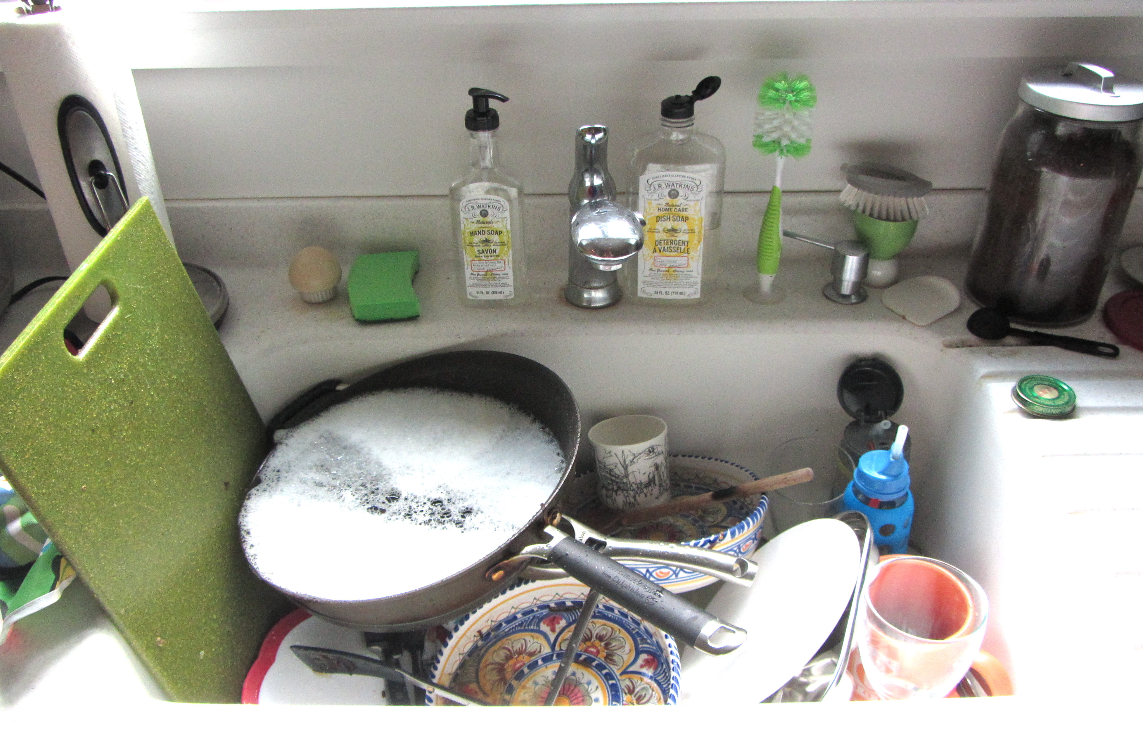 Kitchen Sink With Dishes mommy wash dishes: greetings from the kitchen sink – the home tome